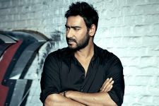 Ajay Devgn suffering from 'Tennis Elbow' pain?