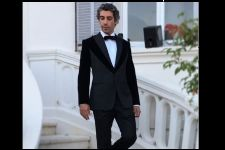 Forget Deepika, Kangana, Aishwarya, Sonam, LOOK at Jim Sarbh instead!