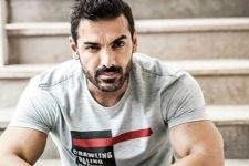 John Abraham HATES the 'CELEBRITY LIFE' but, instead likes...