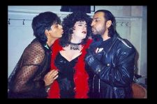Throwback Photo: Aamir dressed as a DANCER, SRK Trying to KISS him