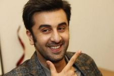 Ranbir Kapoor makes his Social Media DEBUT: REVEALS interesting