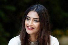 Sonam REVEALS why 'Ek Ladki Ko Dekha To Aisa Laga' was postponed