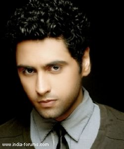 Ankit Gera aka Adarsh of Star Plus' Pratigya goes gaga over