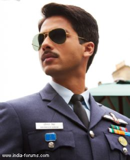shahid kapoor in the movie mausam