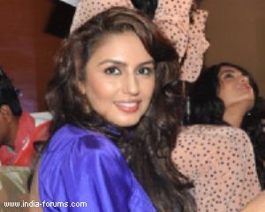 actress huma qureshi
