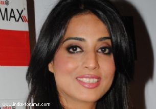 Actress mahie gill