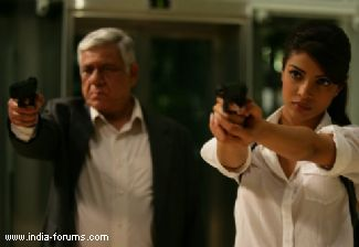 priyanka chopra and om puri in the movie don 2
