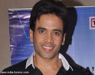 tusshar kapoor says ajay devgn is his lucky charm