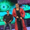 Salman and WWE Superstar The Great Khali doing the dance steps