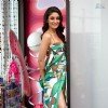 Kareena looking hot in multicolored gown