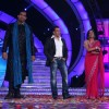 Shweta and Khali with Salman at Finale of Bigg Boss 4