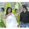 Priyanka pointing finger to Salman