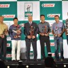 Sachin and others at Castrol Cricket Awards at Grand Hyatt. .