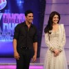 Akshay Kumar and Anushka Sharma on Chak Dhoom Dhoom 2 - Team Challenge