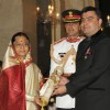 The President, Pratibha Devisingh Patil presenting the Padma Shri Award to Gagan Narang, at an Investiture Ceremony II, at Rashtrapati Bhavan, in New Delhi