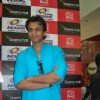 Abhijeet Sawant at Clay Sculpture of Sachin Tendulkar made by Vivek Sonawane at Oberoi Mall, Mumbai