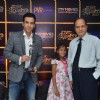 Tusshar Kapoor wins Best Actor in a comic role at the 1st Jeeyo Bollywood Awards