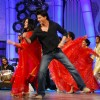 Shah Rukh Khan dancing on NDTV Greenathon that took place at Yash Raj Studio
