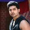 Gurmeet Chaudhary in first scene of Geet
