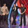 Dharmendra and Salman Khan promotes Bodyguard on the sets of