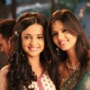 Daljeet with Sanaya on set
