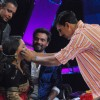 Akshay Kumar on the sets of Dance India Dance to promote Rowdy Rathore