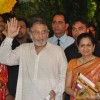 Vinod Khanna with wife Kavita at Esha Deol and Bharat Takhtani wedding ceremony