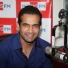 Irfaan Pathan at 92.7 Big FM studio's first look of ICC World 20-20 Trophy