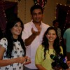 Kritika Kamra, Sharad Kelkar & Ishiita at the celebration of 200 Episode of Kuch Toh Log Kahenge