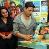 Sonakshi Sinha and Akshay Kumar at DVD launch of 'Rowdy Rathore'