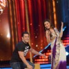 Salman Khan and Madhuri Dixit on the sets of Jhalak Dikhhla Jaa
