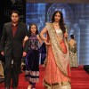 Sunil and Krishika Lulla on ramp at the Beti show by Vikram Phadnis at IIJW 2012