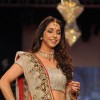 Krishika Lulla on ramp at the Beti show by Vikram Phadnis at IIJW 2012