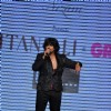 Sonu Nigam on ramp at the Beti show by Vikram Phadnis at IIJW 2012