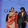 Sonu Nigam with wife Madhurima on ramp at the Beti show by Vikram Phadnis at IIJW 2012