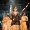 Sonam Kapoor showstoppers for PC Jewellers at IIJW 2012