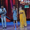 Manish, Priyanka Chopra & Madhuri Dixit at Film Promotion Barfi on Set of Jhalak Dikhhla Jaa