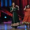 Kareena Kapoor and Bharti at Film Promotion Heroine on Set Jhalak Dikhhala Jaa