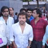 Himesh Reshammiya with Sur Kshetra team at Ganesh Mandal in Lowe Parel, Mumbai.