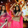 Madhuri Dixit and Sridevi dances on the sets of Jhalak Dikhhla Jaa during the promotion of film English Vinglish