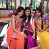 Alefia with the cast of PKDHMMPP