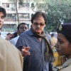 Sanjay Khan with son Zayed Khan visit 'Matoshree' to see ailing Bal Saheb Thackeray