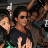 Shahrukh snapped post getting discharged from hospital after shoulder surgery
