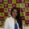 Ranveer Singh and Sonakshi Sinha launch Mills and Boon Lootera Novels pack