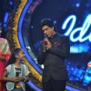 Mandira Bedi, Sugandha with Shah Rukh Khan at Film Chennai Express Promotion at Indian Idol Junior