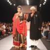 Javed Akhtar & Shabana Azmi showstopper at IIJW 2013