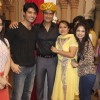 Sumeet Mittal with the team of Diya Aur Baati at Sumeet's birthday on the sets of Diya Aur Baati Hum