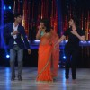 Madhuri Dixit,Sushant Singh Rajput and Parineeti Chopra perform together