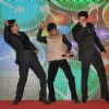 Shahrukh Khan,Raju Shrivastav and Nikitin Dheer perform together