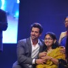 Hrithik Roshan felicitates an achiever at Dr. Batra's Positive Health Awards 2013